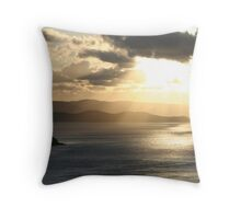 Hamilton Island sunset Throw Pillow