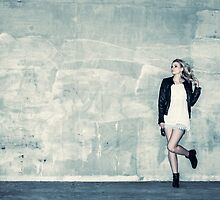 Urban girl by JH-Image
