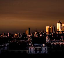 Greenwich and Canary Wharf by Vincent Sluiter
