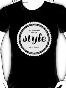 STYLE (white). T-Shirt