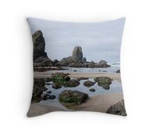 Low Tide Cannon Beach - Oregon Throw Pillow