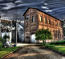 Folsom Powerhouse by Ben Pacificar