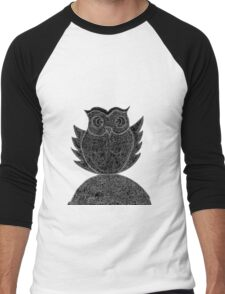 Frizzy-curly owl in black and white on pale background Men's Baseball ¾ T-Shirt
