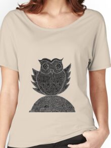 Frizzy-curly owl in black and white on pale background Women's Relaxed Fit T-Shirt