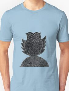 Frizzy-curly owl in black and white on pale background T-Shirt
