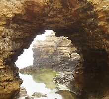The Grotto, Great Ocean Road, Australia by gayler