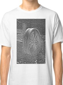 Wagon Wheel Black and White Gray Old Antique Abandoned Photograph Classic T-Shirt
