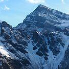 Snowy peaks by zumi