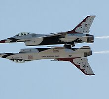 USAF Thunderbirds in Formation by calford