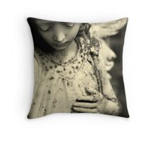 I saw the daughter of the sun Throw Pillow