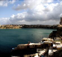 Valletta Harbour by HelenBanham