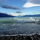 GreyBubbles, Lake Pukaki by Robin Smith
