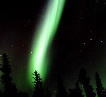 Aurora Beam by peaceofthenorth