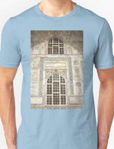 Taj Mahal Facade - Agra - India Unisex T-Shirt