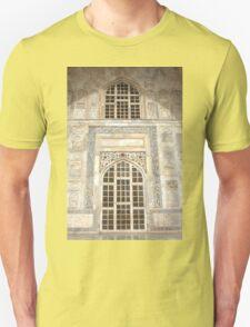 Taj Mahal Facade - Agra - India T-Shirt
