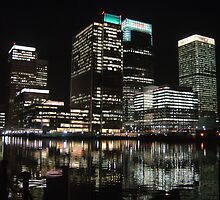 Reflections of Canary Warf by Nigel Plant