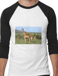 Giraffe Group On The Masai Mara Men's Baseball ¾ T-Shirt