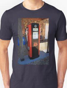 Route 66 - Vintage Gas Pump T-Shirt