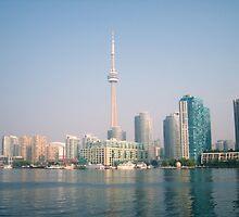 Toronto Skyline by bluekrypton