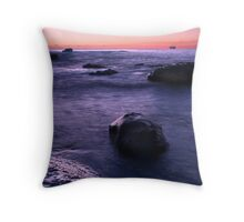 The day unfolds Throw Pillow