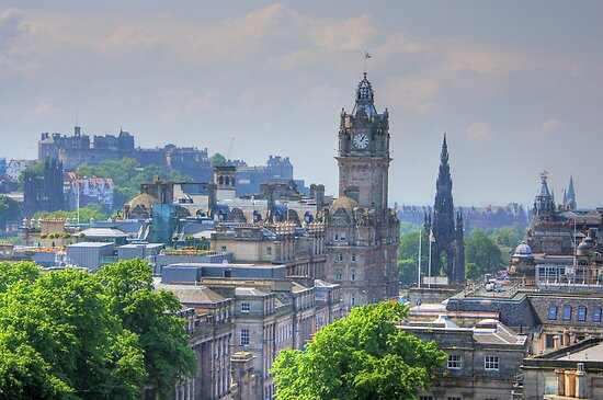 Edinburgh by Tom Gomez