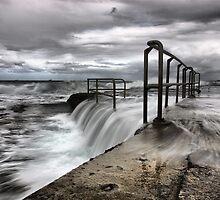 Newcastle Beach Pool by monkeyfoto