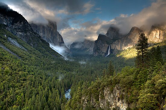 Yosemite Valley by Denis Wagovich