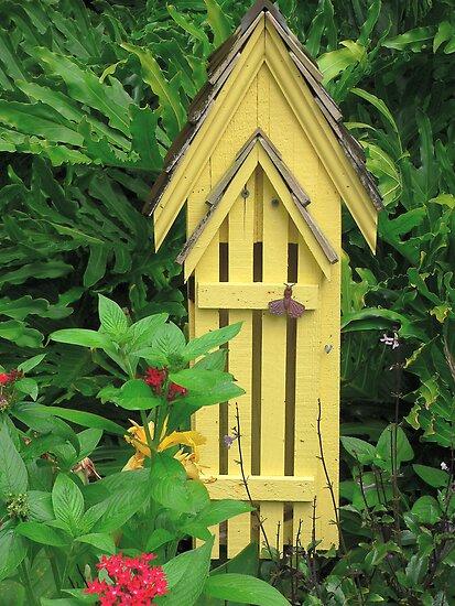 Rosalie Scanlon › Portfolio › Butterfly House: www.redbubble.com/people/posyrosie/works/1249282-butterfly-house