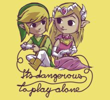 it's dangerous to play alone One Piece - Short Sleeve