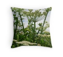 June hedgerow Throw Pillow