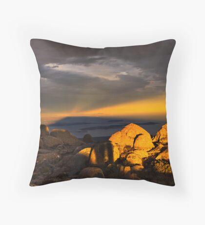 mountaintop experience Throw Pillow