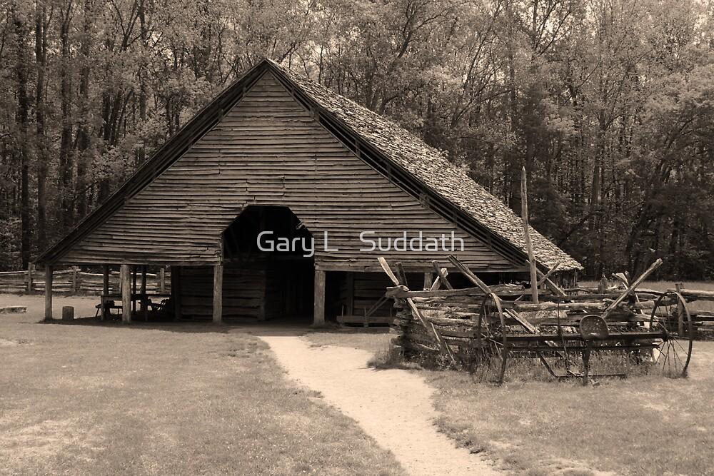 Shotgun Barn II by Gary L   Suddath