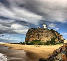 Nobbys Lighthouse by monkeyfoto