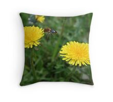 busy busy busy Throw Pillow