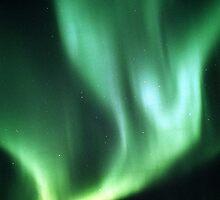 Aurora Waves by peaceofthenorth