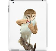 A Barn Owl smoking a Bowl iPad Case/Skin
