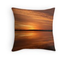 burnt horizon Throw Pillow