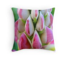 Lupin love Throw Pillow