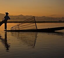 Inle Sunrise. by DaveBassett