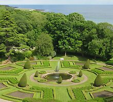 Formal Gardens Dunrobin Castle by jacqi