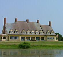 Whalehead Inn by Wayne Taylor