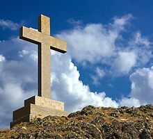 St Dwynwens Cross by yeamanphoto