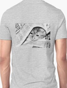 Max ~ looking for Garfield :) T-Shirt