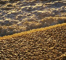 Golden water by bluecoomassie