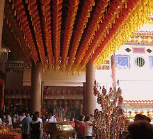 Tang-lungs (Lanterns) in the temple by Gazz