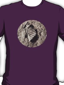 Most famous footprint ever. Astronaut moon mission. T-Shirt