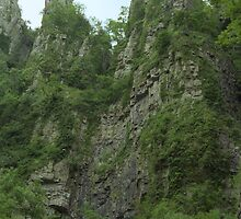 Cheddar Gorge Cliffs by RolandTumble