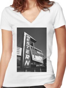 Route 66 - Western Motel Women's Fitted V-Neck T-Shirt