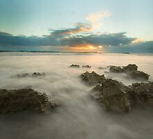 Cottesloe Washout by Keegan Wong