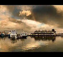 Fremantle Wharf by LukeAustin